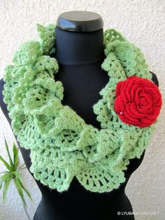 Crocheting: Ruffle Lace Scarf Tutorial. I would probably use different colors, but wow this is adorable!!