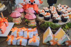 Recepções - CHÁ DE BEBÊ DO RAFAEL - LARANJEIRAS, SERRA - ES Fox Party, Baby Party, Woodland Party, Woodland Forest, Baby Shower, Table Decorations, Biscuit, Events, Boho