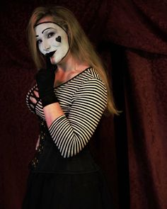 Female Clown, Psychotic, Clowns, Comic, Brass, Portrait, Ring, Instagram Posts, Model