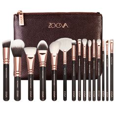I love watching YouTube videos about make-up and Zoeva brushes are often mentioned as great quality. I love the rose gold effect on these brushes too!  ROSE GOLDEN COMPLETE SET VOL. 1 (€120 approx. £84)