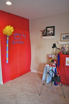 Photo Booth Backdrop for Dr Seuss-themed birthday party - #projectnursery