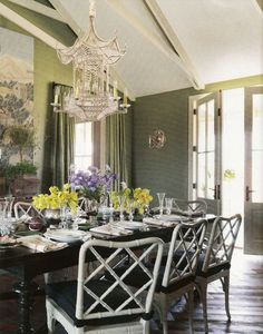 Luscious deep green, faux bamboo chairs, and a sparkling pagoda chandelier? I'm obviously enamored with this dining room by Mary Watkins Wood. Chippendale Chairs, Chinoiserie Chic, Elegant Dining, Fine Dining, Dining Set, Beautiful Interiors, Dining Rooms, Interior Design, Foo Dog