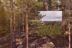 Algum de vocês já pensou em se hospedar numa ÁRVORE? Pois é, podem começar a pensar. Onde? No  Treehotel,Suécia , 5 arquitetos foram contratados para cada um fazer um quarto do hotel suspenso no meio da floresta. Todos os quartos tem uma forma totalmente diferente da outra, incrível né, alí você tem o seu quarto no meio da dentro da natureza, literalmente. Eu amo o cubo espelhado.