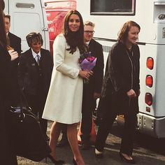 Kate arriving at Downton Abbey studios ❤️