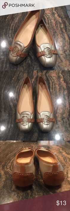 NEW Flats 7.5 Liz Claiborne Liz Claiborne Silver Metálic Flats Sz 7.5... Excellent Like New Condition. Silver Emblem and Brown Trim. Worn Only Once. Leather Upper Liz Claiborne Shoes Flats & Loafers