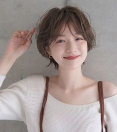 - The Effective Pictures We Offer You About hair morenas A quality picture can tell you many things. Japanese Short Hair, Asian Short Hair, Short Straight Hair, Short Hair Styles Easy, Straight Hairstyles, Natural Hair Styles, Short Hair Korean Style, Short Girl Hairstyles, Korean Short Hairstyle