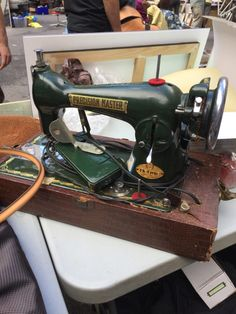 Consider the merits of both types of sewing machines. Vintage Sewing Notions, Vintage Sewing Machines, Sewing Spaces, Sewing Rooms, Brother Project Runway, Civil War Quilts, Amish Quilts, Wooden Spools, Needle Book