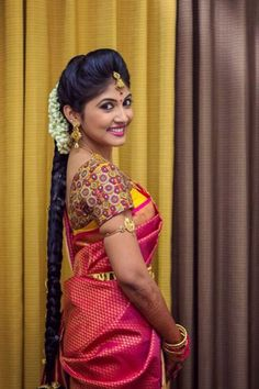 Traditional Southern Indian bride wearing bridal silk saree, jewellery and hairstyle. Braid with fresh flowers. So beautiful! South Indian Wedding Hairstyles, Bridal Hairstyle Indian Wedding, South Indian Bride Hairstyle, Bridal Hairdo, Indian Bridal Fashion, Indian Bridal Makeup, Wedding Makeup, Indian Marriage Makeup, South Indian Makeup