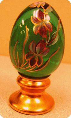 Fenton egg figurine - handpainted floral