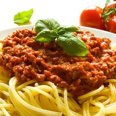 """I love tomato sauce. Coming from an Italian-American family, the smell of tomato sauce, or """"gravy"""" in my family, Spaghetti Sauce Ingredients, Spaghetti Sauce From Scratch, Spaghetti Recipes, Easy Sauce Recipe, Sauce Recipes, Bolognese Sauce, Spaghetti Bolognese, Spaghetti Sauce Tomate, Molho Alfredo"""