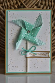 : Karte mit Windrad The post Kreativ mit Liebe!: Karte mit Windrad 2019 appeared first on Scrapbook Diy. Ideas Scrapbook, Scrapbook Designs, Scrapbook Cards, Fancy Fold Cards, Folded Cards, Handmade Birthday Cards, Happy Birthday Cards, Diy Birthday, Cuadros Diy