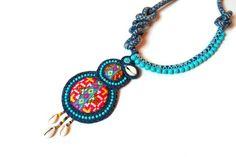 Collection Hmong de Kumbhaka créations.   tissus brodés hmong, indigo ancien, cauris, perles., soutache.  J'adore! coup de foudre!