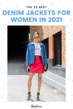 Denim jackets are the only outerwear with year-round appeal. Here are 22 of the best styles starting at just $40. #denim #jacket #jeanjacket Oversized Denim Jacket, Cropped Denim Jacket, Denim Jackets, Denim Blazer, Sports Hoodies, Madewell Denim, Free People Jacket, Cute Summer Dresses, Street Style Looks