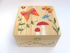 Childrens Personalised Wooden Memory Box, Childrens Keepsake Box with Butterfies, Flowers and Toadstool Design - Large Size Memory Box.