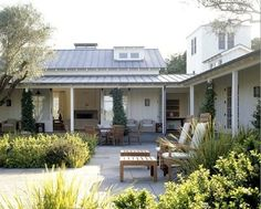 When we spotted this lovely Sonoma County farmhouse, we think our mouths fell open