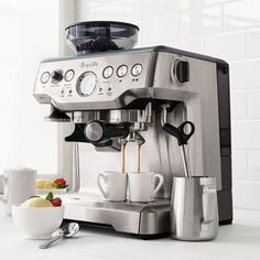 Shop Breville Barista Express Espresso Machine and more from Sur La Table! Espresso Cupcakes, Espresso Brownies, Espresso Martini, Espresso Shot, Best Espresso, Espresso Cups, Cappuccino Maker, Cappuccino Machine, Espresso Maker
