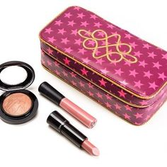 Sneak Peek: MAC Nutcracker Sweet Eye and Lip Bags/Kits Photos & Swatches