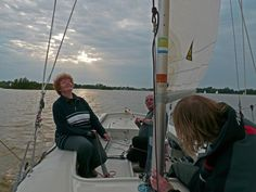 Randmeer 946 Kind of Blue in the Midsommernightrace of WSV Elfhoeven. A lot of fun, wine and good company. Kind Of Blue, Good Company, Yachts, Sailing, Fair Grounds, Wine, Travel, Candle, Viajes