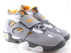 competitive price 0cca1 19e41 Nike Mens Air Diamond Turf II basketball shoes Model 487658 008 Size 11.5  US Jordans Sneakers