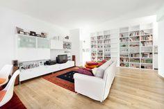 Busca imágenes de Salones de estilo moderno en blanco de 23bassi studio di architettura. Encuentra las mejores fotos para inspirarte y crea tu hogar perfecto.