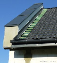Jak powinny być zrobione obróbki blacharskie dachu przy ścianie ogniowej? - Recepty na dom Facade Design, Roof Design, Green Roof Benefits, Carport Plans, Roof Installation, Modern Roofing, Roof Detail, Roof Structure, Roofing Systems