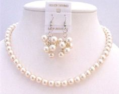Twisted perla collar nupcial marfil perla por fashionjewelryforeve Flower Girl Jewelry, Bridesmaid Jewelry Sets, Music Jewelry, Ivory Pearl, Pearl Jewelry, Bridal Jewelry, Necklace Lengths, Necklace Set, Pearl Necklace