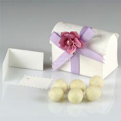 Detalles de boda.Cofre con chocolates.Regalosyeventos