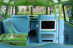 1967 VOLKSWAGEN 21 WINDOW CUSTOM BUS - Barrett-Jackson Auction Company - World's Greatest Collector Car Auctions
