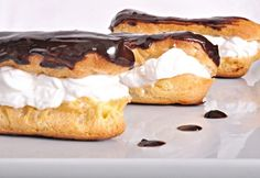 Eclair fánk Hungarian Cake, Hungarian Recipes, Eclairs, Sweet And Salty, Camembert Cheese, French Toast, Cheesecake, Cooking Recipes, Homemade