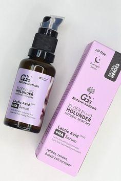 € 26,00 | Kleiner Tropfen, große Wirkung: verfeinerndes und ausgleichendes Overnight Peelingserum mit #Milchsäure, #Hyaluron und Holunderbeerenextrakt. Hilft bei -> fahler Haut -> großen Poren -> Unreinheiten -> Fältchen -> Sonnenflecken || #skincare #naturalskincare #naturkosmetik Lactic Acid, Hyaluronic Acid, Natural Skin Care, Serum, Bottle, Organic Beauty, Products, Flask, Jars