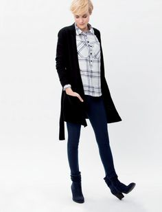 Wear your jegging with a flared poncho or chunky belted knit with dressy pumps. Great Love, I Love Fashion, Jeggings, Pumps, Denim, Knitting, How To Wear, Tricot, Pumps Heels