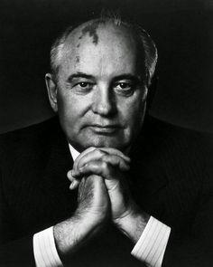 """""""Sto tanto male, chiese Giulio. Sembri Gorbaciov."""""""