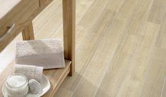 Wood floor Spacia White Oak in a bathroom.