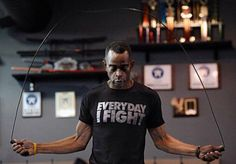 "Never Give Up: 5 Things We Learned From Stuart Scott's Fight Against Cancer My favorite quote from his acceptance speech is ""You beat cancer by how you live, while you live and the manner in which you live"" Stuart Scott, Beat Cancer, Stupid Cancer, Before Us, Espn, Never Give Up, Mens Tees, Martial Arts, Cool Photos"