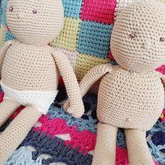 curso básico de crochet para principiantes - Ahuyama Crochet Merino Wool Blanket, Mini, Throw Pillows, Ideas, Mermaid Tail Blanket, Cat Ears, Beginner Crochet, Step By Step Instructions, Bed Covers