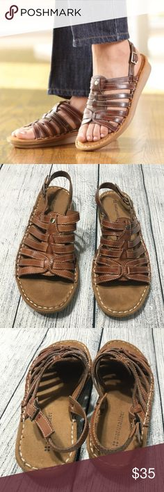 Naturalizer Women's Brown Leather Sandals Size 6 Great pre-loved condition; No damage;  Size 6; Leather Upper; Quality Manmade materials; Naturalizer Shoes Sandals