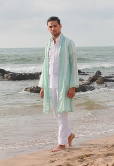 Mad in morocco Morrocan Fashion, Moroccan Style, Fashion Kids, Mens Fashion, Mode Masculine, Style Caftan, Kaftan Men, Moroccan Caftan, Muslim Dress
