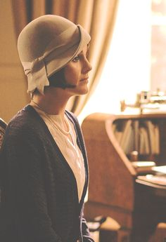 Lady Mary Crawley with her nose up in the air Jane Austen, Hercule Poirot, Lady Mary Crawley, Downton Abbey Series, Where Do I Go, Downton Abbey Fashion, Michelle Dockery, Fashion Tv, Period Dramas