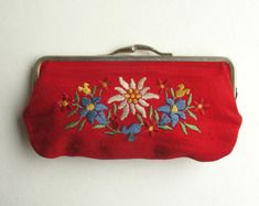 Red Edelweiss Coin Purse with Vintage Flower Embroidery