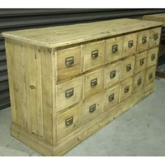 "PRINTMAKERS 18 DRAWER CHEST    	170CMl X 52CMd X 82CM H  <p style=""margin: 0px; color: rgb(51, 51, 51); font-size: 14px; line-height: 18px; padding: 0px; f"