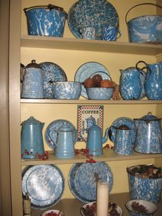 Blue Graniteware ( i love this stuff always have, guess i got this from my Grannie )