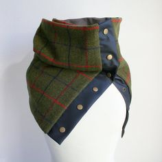 Winter wool scarf in plaid green wool with black leatherette and snaps, men's scarf // women's scarf, unisex scarf