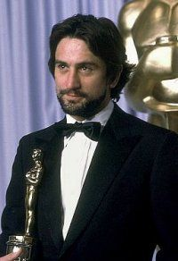 Robert De Niro won best actor for Raging Bull in 1980 his second of two Oscar wins Martin Scorsese, Hollywood Icons, Hollywood Actor, Hollywood Stars, Hollywood Actresses, Johnny Carson, The Godfather Part Ii, Best Actor Oscar, Actrices Sexy