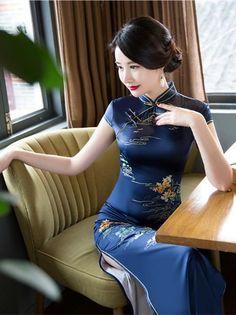 Statistics On Women S Fashion Key: 8773818769 Oriental Dress, Oriental Fashion, Asian Fashion, Cheongsam Dress, Fashion Designer, Beautiful Asian Women, Ao Dai, Sexy Asian Girls, Fashion Week