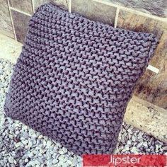 Knitted Zpagetti pillow