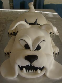 bulldog-3D-cake1 by dpasteles cake shop (San Antonio, TX), via Flickr
