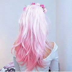 Trendy Hair Color : pale pale pink hair, faded into darker pink tips… Pale Pink Hair, Bright Hair, Pastel Pink, Colorful Hair, Multicolored Hair, Pastel Goth, Dye My Hair, New Hair, Coloured Hair