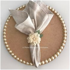 Decoupage Table, Rustic Table Runners, Table Centerpieces, Table Decorations, Burlap Roses, Beautiful Table Settings, Laser Cut Wedding Invitations, Rose Lace, Groom And Groomsmen
