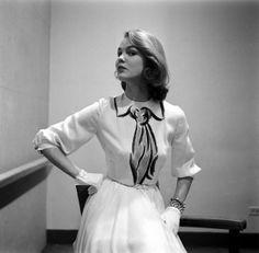 1952, Hermes Paris hand-painted trompe l'oeil dress (via coutureallure.blogspot.com)