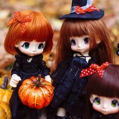 Happy Halloween!!!  . #kikipop #kinokojuice #bjd #azone #azonejp #bjd #doll #dollcollector #dollstagram #instadoll #dollsofinstagram #toycollector #dollphotography #toyphotography #bjddoll #balljointeddoll #bjdphoto #autumn #toystagram #halloween